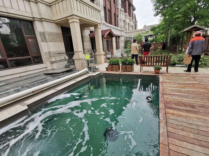 别墅景观鱼池渗漏水维修完成后
