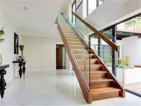 别墅改造翻新玻璃扶手