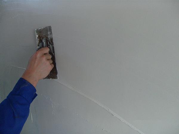 外墙涂料基层批刮柔性耐水腻子
