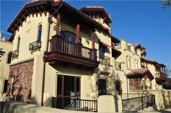 中海地产联排别墅整体外装红杉溪谷