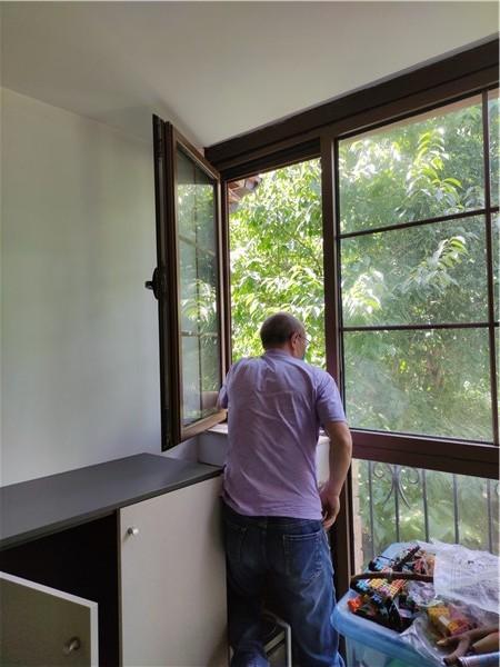窗户变形检查维修