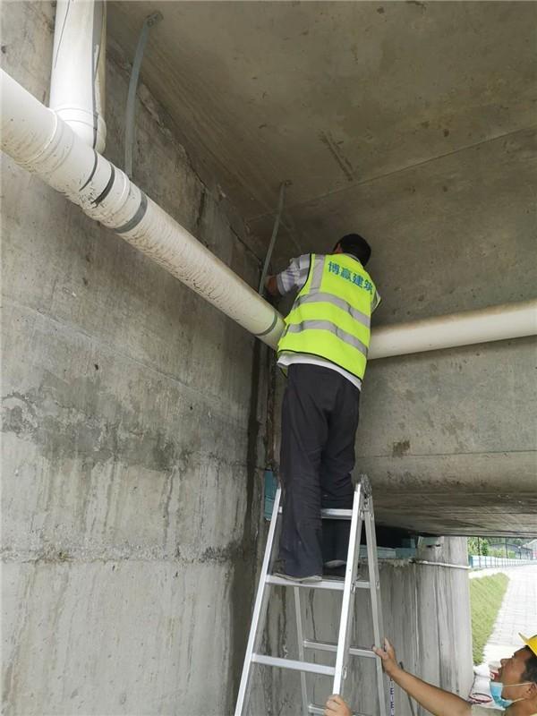 隧道顶部漏水维修