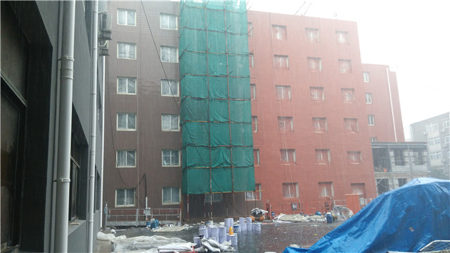 外墙装饰装修雨季施工方案