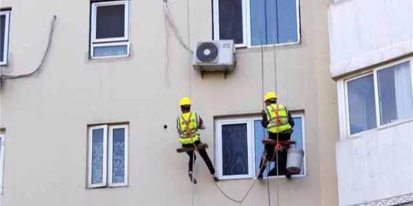 矿业大学教师住宅外墙脱落维修排查