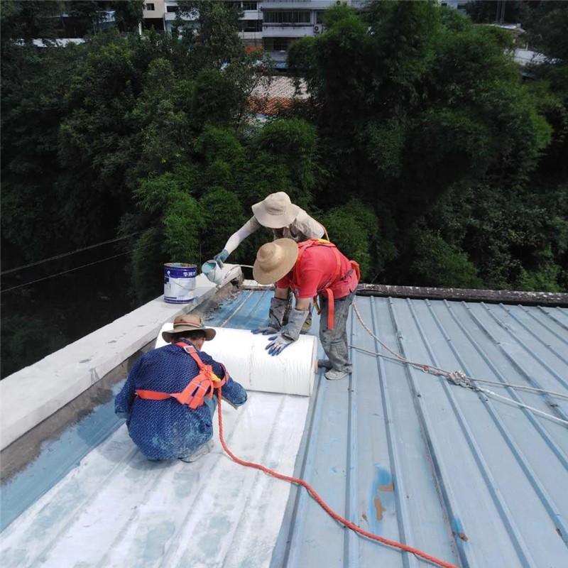 金属屋面渗漏水维修施工防水加筋布铺贴
