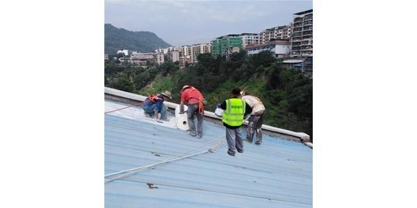 金属屋面防水施工中
