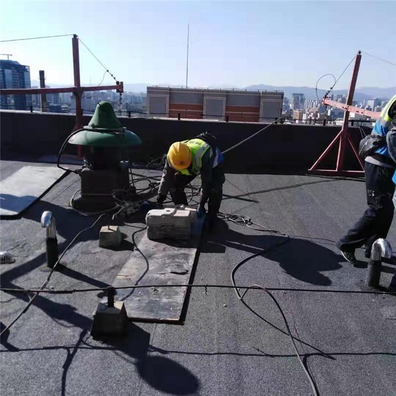 搭设吊篮的屋面防水成品保护