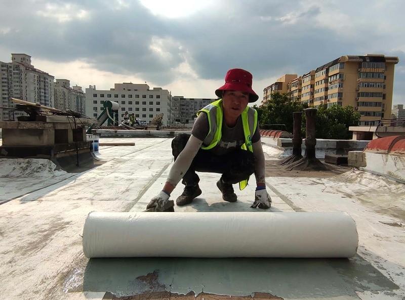 防水施工铺贴中核加筋布