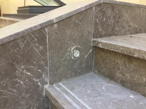 别墅翻新改造全石材楼梯