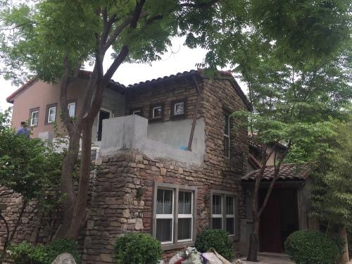 北京纳帕溪谷某别墅外墙渗漏水维修