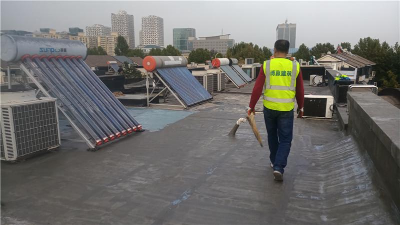 楼顶渗漏水施工完成后的屋面防水