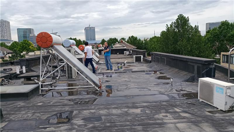 屋面渗漏水维修前